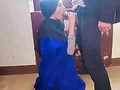 Arab Harlot Penelope Cum Earns Money By Giving Head